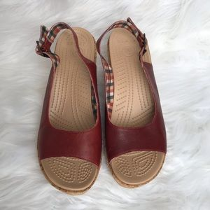 Crocs A-Leigh Dark Red Cork Wedges 11848 size 9
